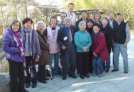 Sam Mitsui visits Seattle Keiro